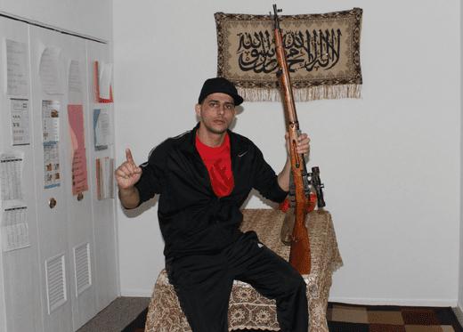 الادعاء الفدرالي يرفض الإفـراج عن شاب عربي متهم بحيازة ترسانة أسلحة والتعاطف مع تنظيم «داعش»