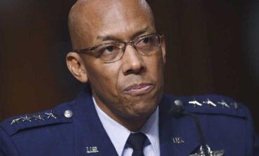 أول جنرال أسود يقود سلاح الجو الأميركي