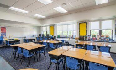 مدارس ديربورن العامة تعتمد التعليم عبر الإنترنت حتى بداية أكتوبر على الأقل