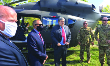 وزير العدل الأميركي يحطّ في ديترويت بمهمة أمنية