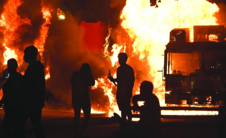 عنف الشرطة يولد أعمال شغب في ولاية ويسكونسن .. وترامب يرسل تعزيزات فدرالية