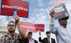 قرار قضائي يجيز لإدارة ترامب ترحيل عشرات آلاف المهاجرين بعد تجريدهم من «الحماية المؤقتة»