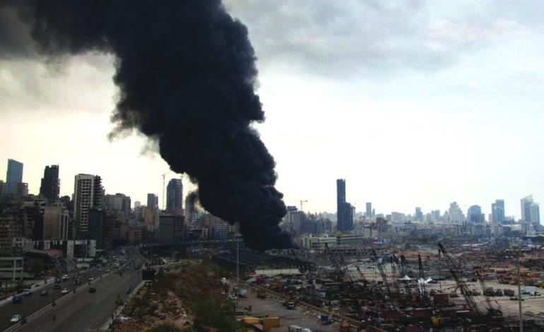 مرفأ بيروت يحترق مجدداً .. وحلفاء «حزب الله» تحت مقصلة العقوبات الأميركية