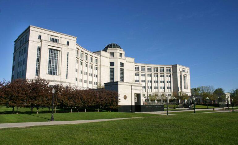 محكمة ميشيغن العليا تبدأ النظر في دستورية قرارات ويتمر الأحادية بتمديد حالة الطوارئ خلال وباء كورونا
