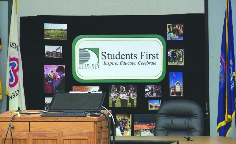 مدارس ديربورن تقرر مواصلة التعليم عبر الإنترنت حتى نوفمبر المقبل