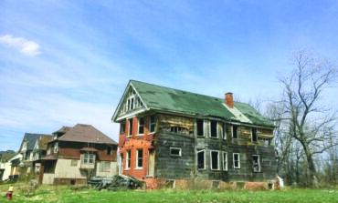 ديترويت تقرّ مقترحاً ضريبياً لترميم وإزالة آلاف المنازل المهجورة في المدينة