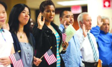 امتحان الجنسية الأميركية الجديد يدخل حير التنفيذ: أطول وأصعب