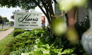 دار جنازات تدفع تسوية بربع مليون دولار .. بسبب انتهاك حقوق المتحوّلين جنسياً