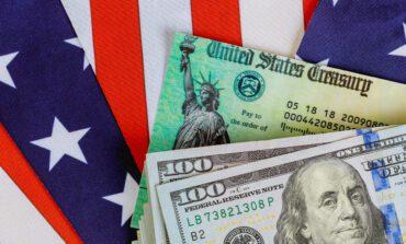 الكونغرس يقترب من إقرار حزمة تحفيز بقيمة 900 مليار: شيكات بـ600 دولار وإعانات بطالة إضافية بـ300 أسبوعياً