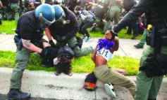 ديترويت تتخلى عن مقاضاة العشرات من المتظاهرين ضد وحشية الشرطة