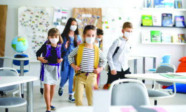 مدارس ديربورن وكريستوود تستعد لاستئناف التعليم الحضوري