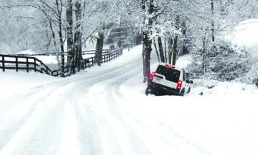 إرشادات سلامة لقيادة السيارة بأمان في موسم الثلوج