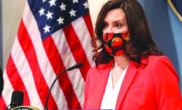 حاكمة ميشيغن تستخدم الفيتو ضد مشاريع إنفاق تحدّ من سلطاتها في مكافحة الوباء