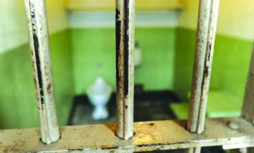 متحوّلة جنسياً تقاضي ولاية ميشيغن  بعد تعرضها للاغتصاب في سجن الرجال