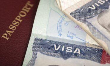 استئناف منح تأشيرات الهجرة والخطوبة