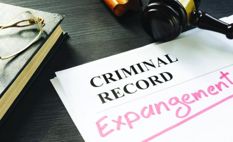 كيف تنظّف سجلّك العدلي في ميشيغن؟