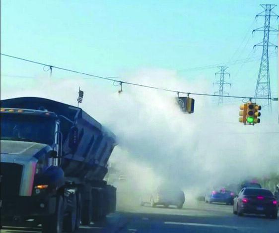 بلدية ديربورن تشدّد عقوبات الشاحنات الملوّثة