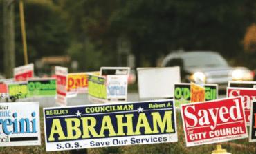 ما هي القواعد الناظمة للافتات الانتخابية في ديربورن؟