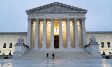 حكم قضائي أميركي يحرم آلاف اللاجئين من حق الحصول على البطاقة الخضراء