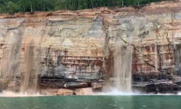 انهيار جرف صخري في شمال ميشيغن