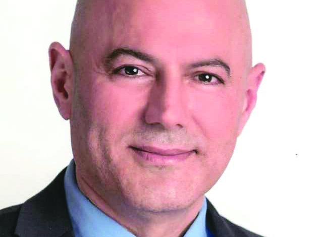 بيل بزي يخوض معركة الحفاظ على رئاسة بلدية ديربورن هايتس