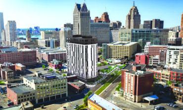 برج سكني جديد قيد الإنشاء في وسط ديترويت