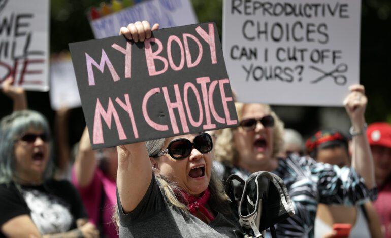 ويتمر تدعو إلى إلغاء قانون قديم يجرّم الإجهاض في ميشيغن .. خشية سريانه مجدداً
