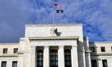البنك الفدرالي يخفض  توقعات النمو الاقتصادي ويرفع تقديرات التضخم