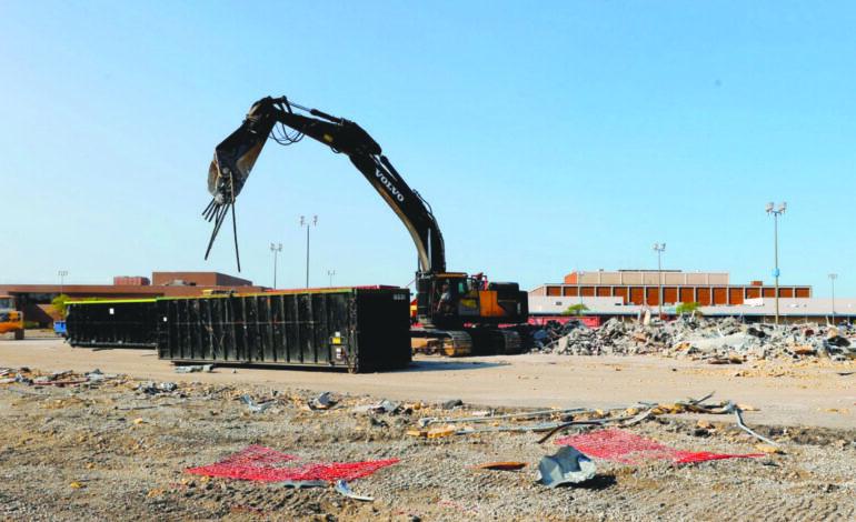 انطلاق أعمال هدم مركز تجاري عملاق في ساوثفيلد .. تمهيداً لبناء مجمّع سكني–تجاري عملاق