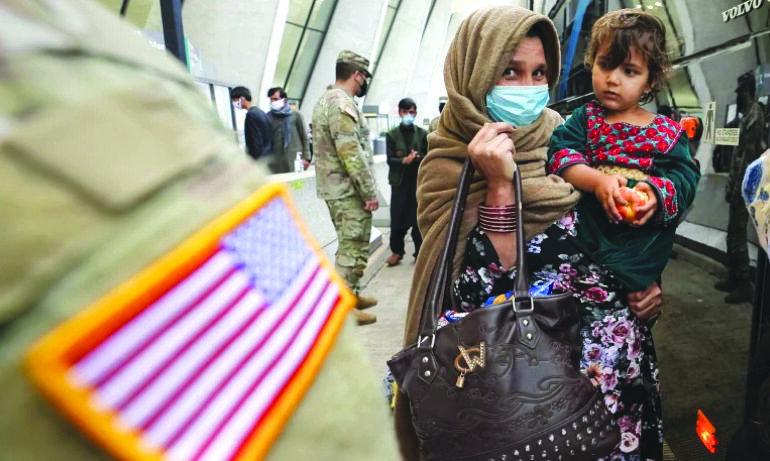 ولاية ميشيغن تباشر بإعادة توطين 1,300 لاجئ أفغاني .. وترغب باستقبال المزيد