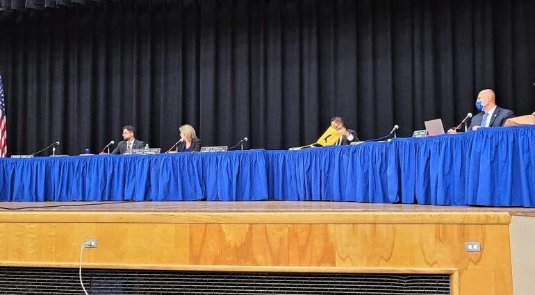 مجلس ديربورن هايتس البلدي يلغي جلسته الدورية لعدم اكتمال النصاب .. والسبب كورونا!