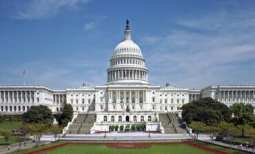 الكونغرس يتفادى الإغلاق الحكومي في اللحظات الأخيرة .. والانقسام الحزبي مستمر بشأن رفع سقف الدين