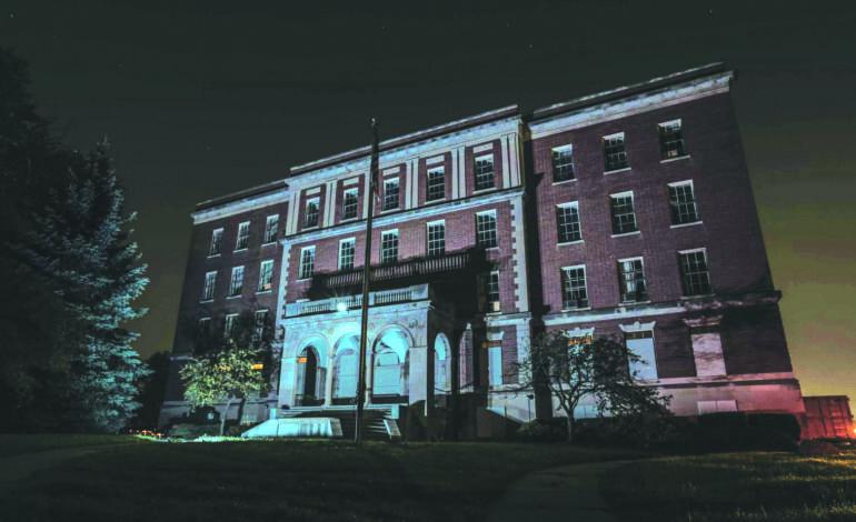 مستشفى مهجور للأمراض العقلية  في وستلاند .. يرحّب بهواة الرعب